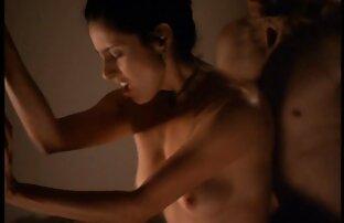 دختران زیبا دانلود كليپ سكسي خارجي نوازش یکدیگر در بستر خود و یک