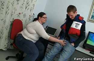 سبزه نوجوان شوکه شده بود دانلود كليپ كم حجم سكسي که مرد انداخت آلت تناسلی خود را