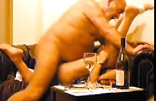 دختر خوشحال هنرمند پیری با مکیدن دانلود كليپ سكسي خارجي خروس خود و پریدن از روی خروس خود را. شاید یک شاهکار است در اطراف گوشه!