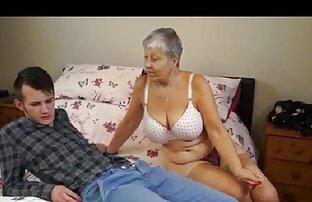همسر داغ می پوشد جوراب ساق بلند سیاه و کاری ادامه پخش كليپ سكسي داده اند لب های او در اطراف دیک تنگ شوهرش