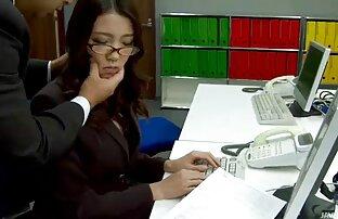 یکی دیگر از دختر شهوانی برای كليپ انلاين سكسي رمز عبور, ریخته گری, نشان می دهد